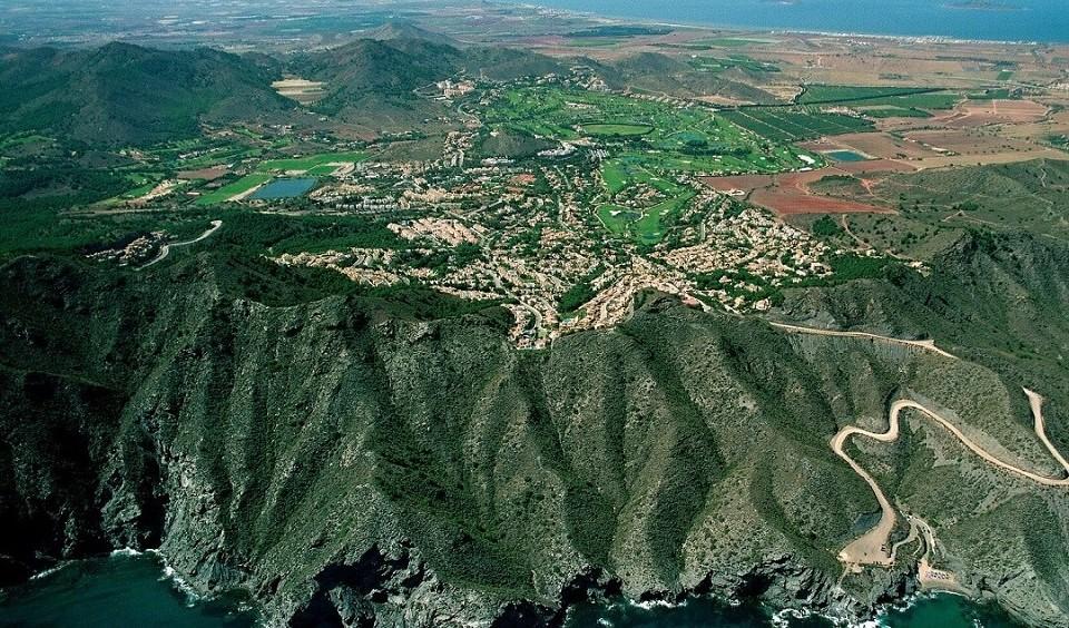 La_manga_resort_aerial_view1